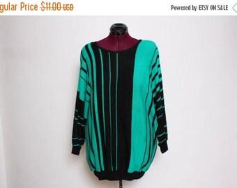 25% OFF VTG 80s Plus Size Green Black Optical Illusion Striped Plus Size Sweater XL/Xxl