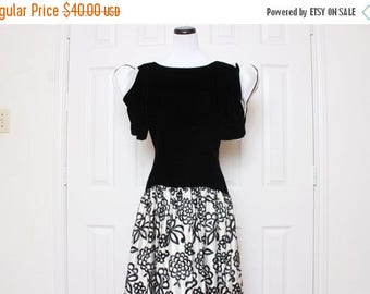 25% OFF VTG 80s Black and White Floral Origami Long Evening Dress S/M