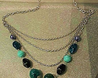 Necklace silver and green beads
