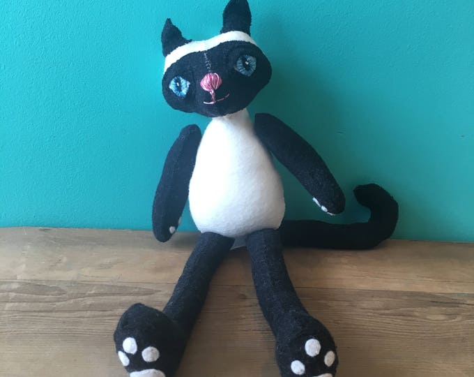 Smokey the Cat-Creatures By Hetty Jean