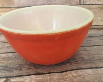 Vintage Flat Red Pyrex Bowl 1940's 1.5 Mixing Bowl