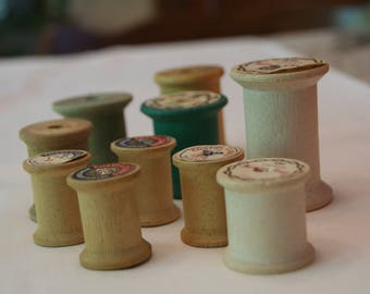 10 Vintage wooden thread spools