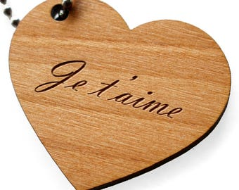 Wooden heart, engraved with the message of your choice. Customizable romantic keyring: wood color and metallic clasp