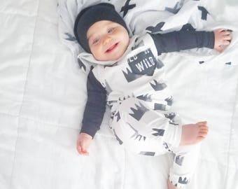 Hoodie Set, baby jumpsuit, childrens joggers, sweatshirt, modern baby, crown, wild one, deer, monochrome, baby boy, handmade baby outfit