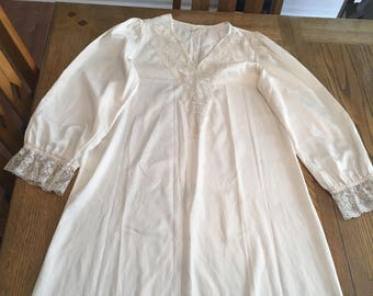 1960s donna richard long nightgown size medium