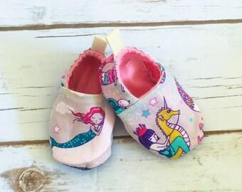 Mermaid cloth shoes, baby booties, slippers, crib shoes, baby mermaid shoes, baby girl shoes, mermaid booties, mystical mermaids