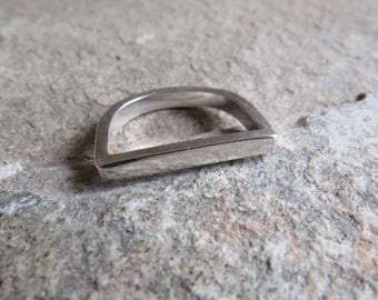 925 Sterling silver stirrup ring
