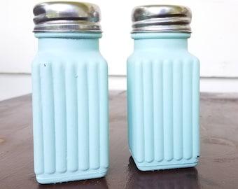 Vintage light turquoise Salt and pepper shakers, vintage kitchen