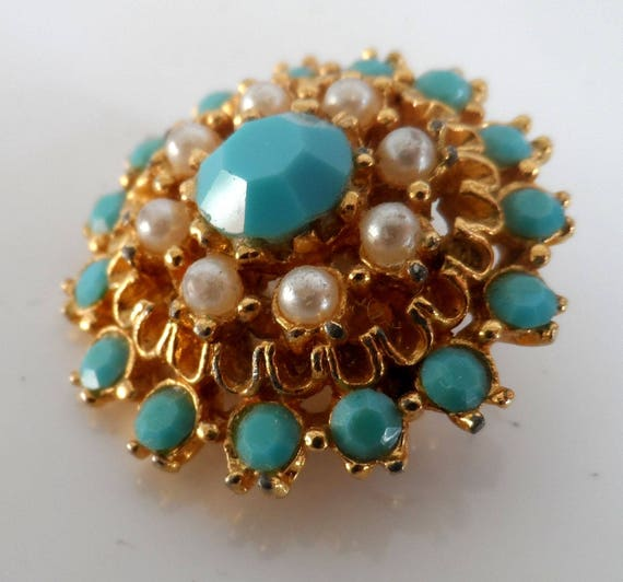 Vintage 50s  Faux Tourqoise & Pearl Circle Glamour Small Brooch
