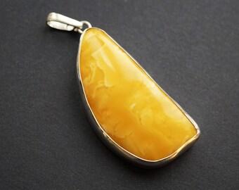 25g Butterscotch Baltic Amber Pendant