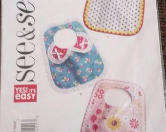 Baby bib pattern.