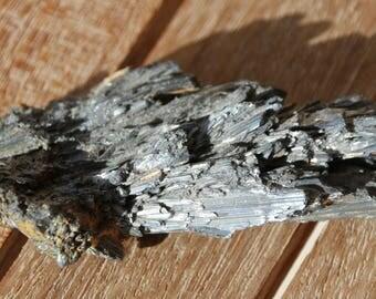 stibine raw stone