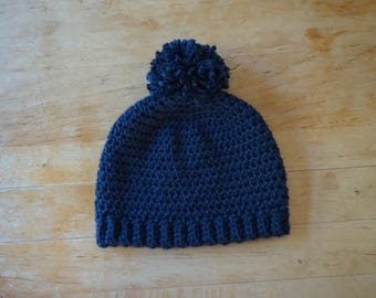 Crochet dark blue women's slouchy hat made with chunky yarn, blue slouchy hat women, blue women's hat, blue beanie