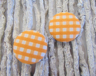 2 cabochons x 28mm fabric Tour1 orange gingham fabric
