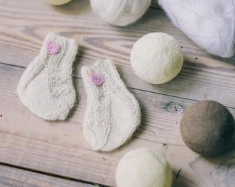 Handmade gifts for babies,knitted socks for newborn girl,woolen socks for newborn,beige knitted socks
