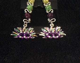 Extravagant large Mardi Gras earring with colored mask charm