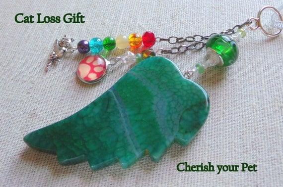 Pet loss gift - green angel wing - agate pendant - Cat Sympathy gift - memento -Pet memorial - rainbow bridge charm - gift box set