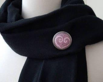 Wrap Scrap Pin - Lapel Pin - Kokadi - Marie Poppin - Wrap Scrap - Babywearing - Valentine Gift - Heart - Pink