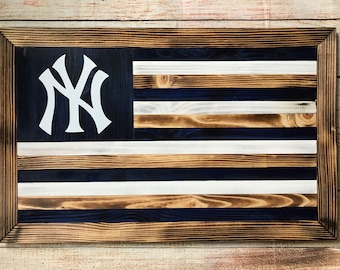 New York Yankees customizable wooden flag wall hanging