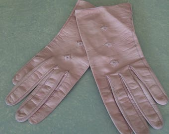 Vintage leather salmon pink gloves