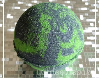 Witches Brew bath bomb/halloween bath bomb/festive bath bomb/green bath bomb/witchy/neat/unique/halloween/goth/interesting