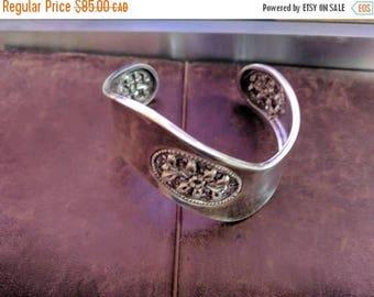 ON SALE Vintage Sterling Silver Bracelet with Floral Design