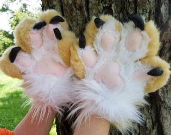Custom puffy paws