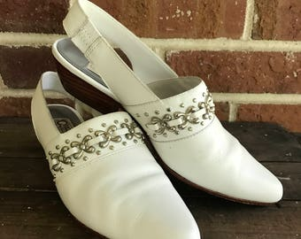 Vintage 80s 90s White Western Slingback Leather Mules with Metal details, Circles size 6.5, Cowboy Mules, Cowboy slides