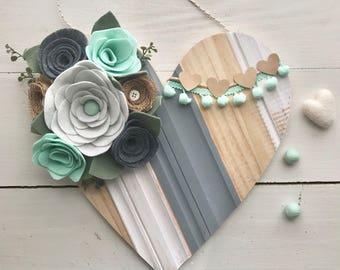 Felt flower pallet heart • Felt flower sign • Heart wall hanging