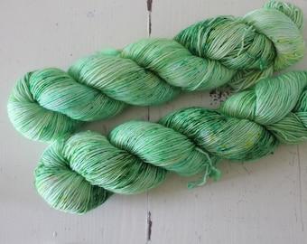 Hand dyed Single Ply 100% sw Merino - 100g/366m - Skinny Singles - Matcha