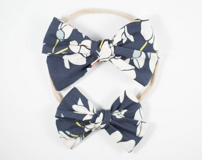 Sloane bow || Navy floral