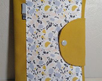 Protège carnet de santé personnalisable jaune moutarde et blanc motifs aspect marbré