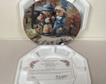 1989 M J Hummel Collector Plate Little Companions Collection Complete Tender Loving Care w/ Box and COA