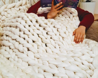Merino Wool Chunky Bulky Knit Custom Made Blanket Throw Giant Bed Cover Warm Hand Knitted Decorative Arm Knit Super Chunky 100% Pure Merino
