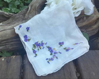 Purple floral hanky/vintage hanky/floral vintage hanky/floral hanky