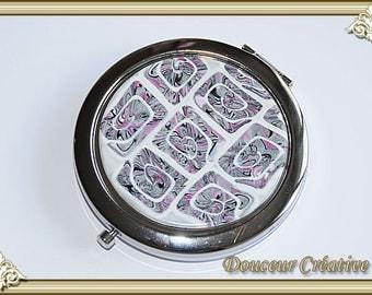 Pocket mirror grey white pink spiral 111011