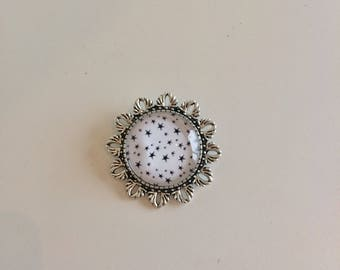 Round Silver Star pin black and white cabochon