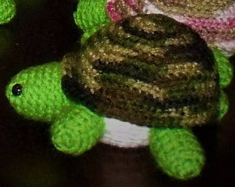 crochet turtle (camouflage)