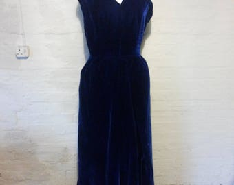 Vintage 195Os electric blue long velvet gown size 8