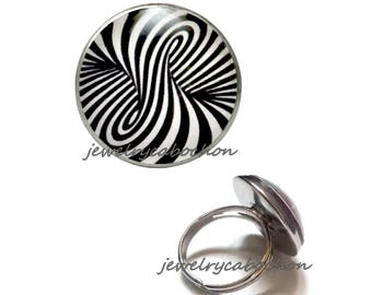 Ring black and white pattern silver color