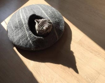Large Cat Cave  - Natural Wool Cat Bed - Handmade and Felted Cat Bed House - Cozy Cat Bed