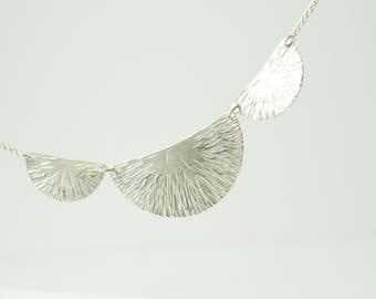 Necklace fine with 3 segments 'Leaf'