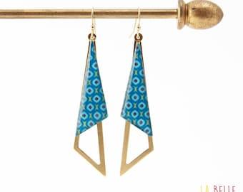 Earrings are made of resinees blue vintage pattern