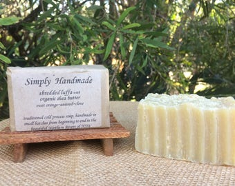 Shredded luffa with organic shea butter