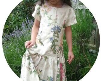 Vintage 1970's Girls Cotton Floral dress 7-10yrs