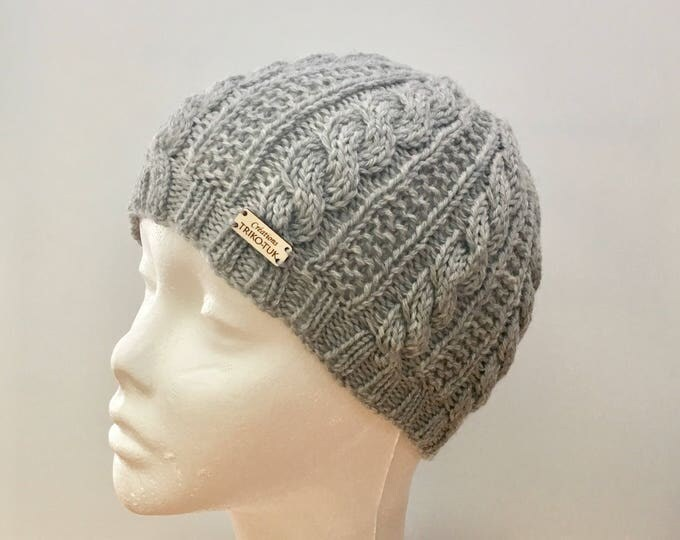 Hat woman cable 100% Merino Wool - knit hat