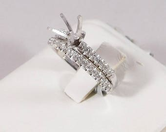 Beautiful Semi-Mount Engagement Set, Classic Solitaire with Accents. (Medium)