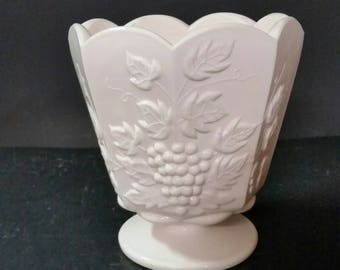 Vintage Napco Ceramics 2250, pink milk glass vase