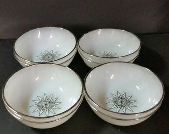 Vintage Anchor Hocking Suburbia Collection dessert, berry bowls set of 8