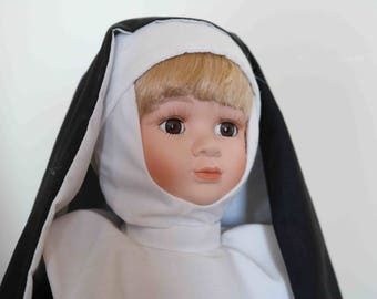 Lovely Porcelain Doll  Nun  Excellent condition